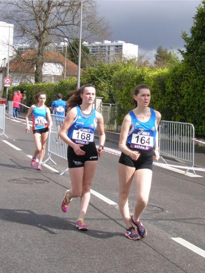 Sarah et Manon sur le 5 Km Cadettes : 12<sup>èmes</sup> ex æquo en 30'00\